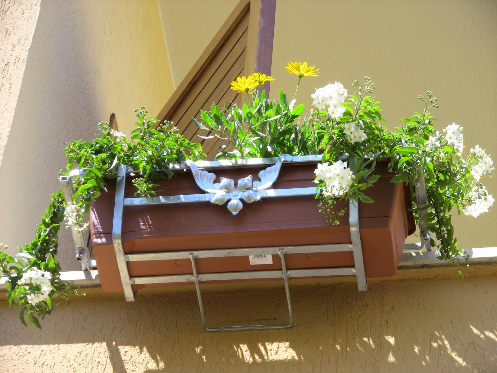 balconiera a sbalzo
