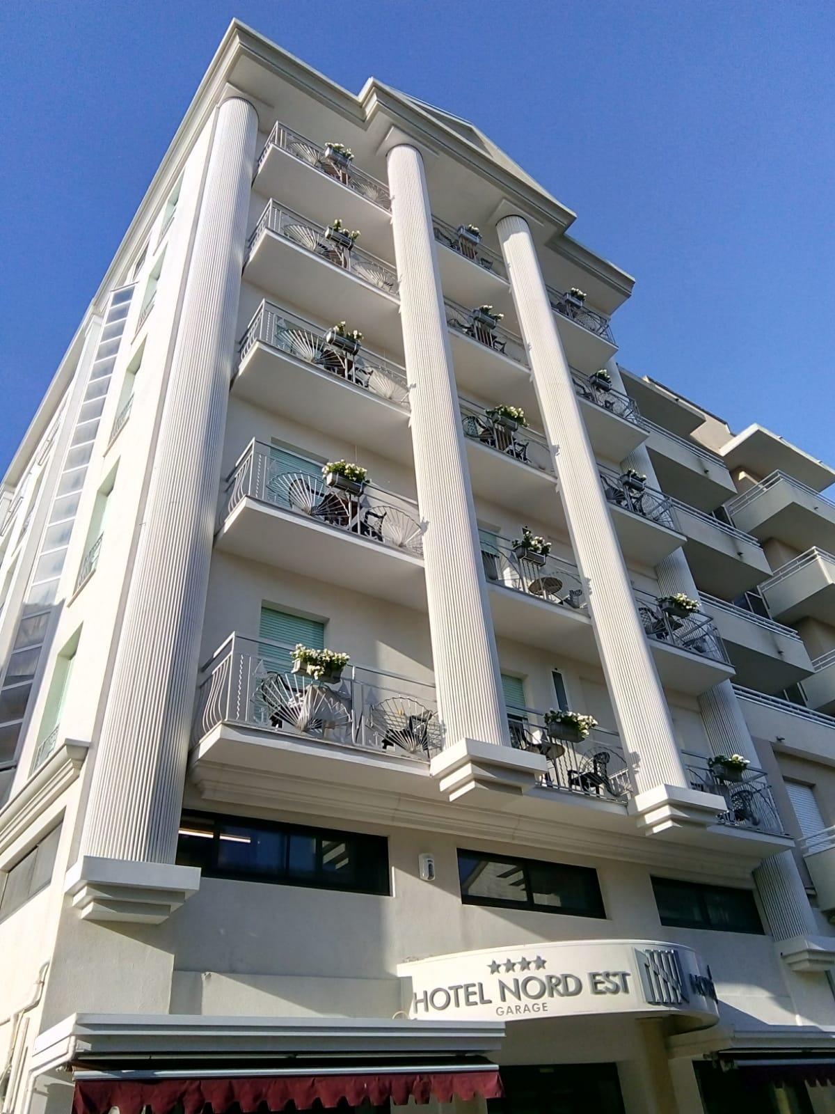 balconiere zincate artigianali hotel